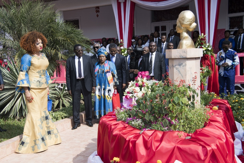 Christmas Tree Lighting at Chantal BIYA Foundation (9)