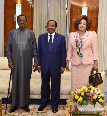 President Idriss DEBY welcomed at the Unity Palace by the Presidential Couple